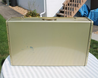 Gold Metal Storage Case   Under The Bed Storage   Latched Storage Case    Large Metal