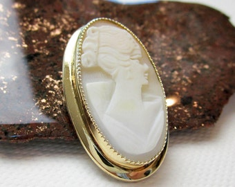 """1.5"""" Deco Shell Cameo Pin/ Brooch, Gold Filled Bezel, ca.1930, Torre del Greco, Italy."""