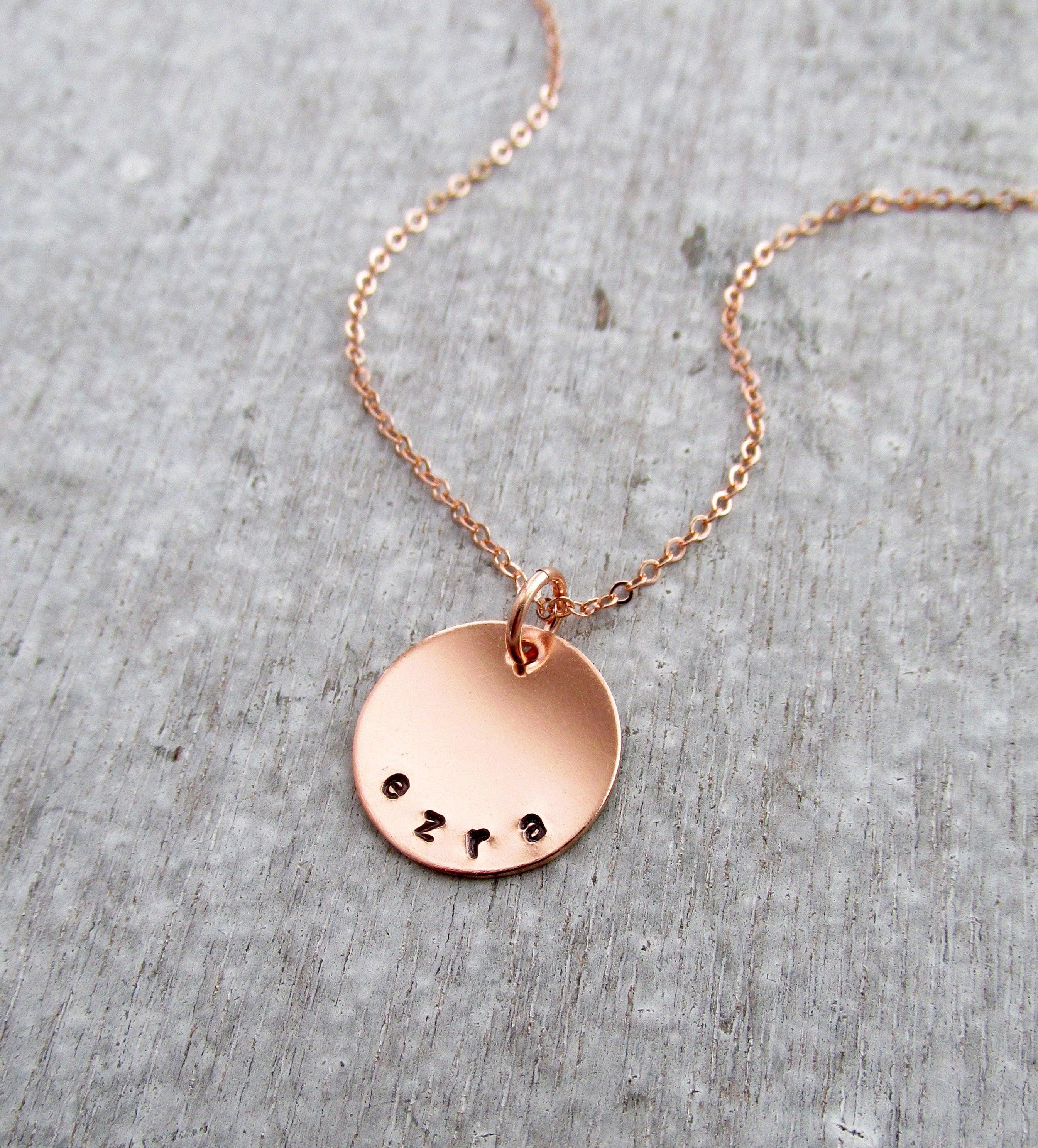 rose gold name necklace personalized mom necklace childrens. Black Bedroom Furniture Sets. Home Design Ideas