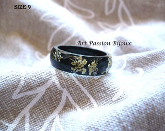 White flowers resin ring, pressed flower ring, queen anne's lace, black white ring, botanical jewelry, spring nature inspired, 15% off ship