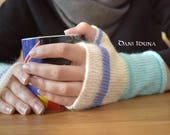 Fingerless, knitted gloves in different colours and designs / Autumn and Winter Fashion / Every pair is unique