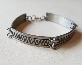 Brutalist pewter bracelet, Løgeskov Tin, Denmark, 1970s (F946)