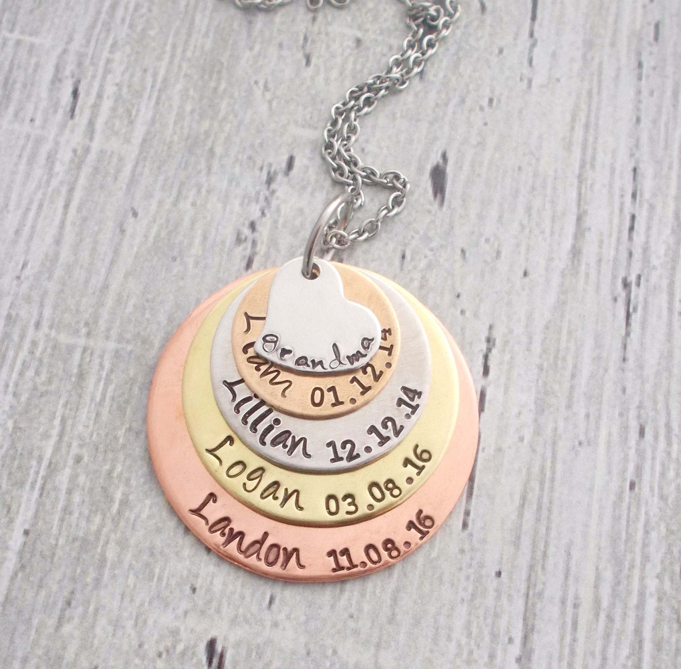 personalized grandma necklace mom necklace kids 39 names. Black Bedroom Furniture Sets. Home Design Ideas