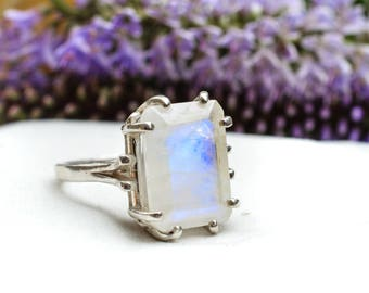Faceted Rainbow Moonstone Ring with 925 Sterling Silver *Free Worldwide Shipping*