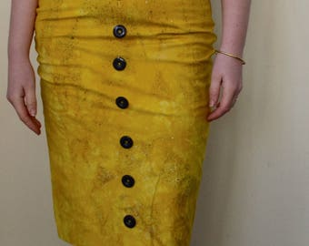 Bright yellow splatter pattern pencil skirt with button detail- S