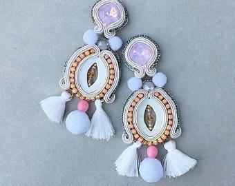 soutache earrings, pompom earrings, pearl earrings, rose opal, boho wedding, fringed earrings, orecchini, pendientes, boucles d'oreilles