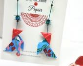"""Origami Boucles d'oreilles cocotte bleu et rouge, modèle """"bleu de Chine"""", papier japonais washi, japanese paper, origami earrings, oiseau"""