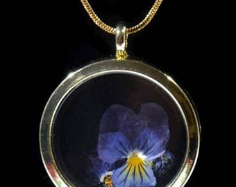 FLOATING VIOLETS LOCKET Pendant with Real Garden Grown Pressed Flowers Inside | Gold or Rose Gold| Graduation Gift | Birthday Gift| For Her