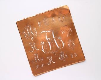 FA Large Antique Monogram Copper Stencil 13 different FA Design - Gabarit de couture FA