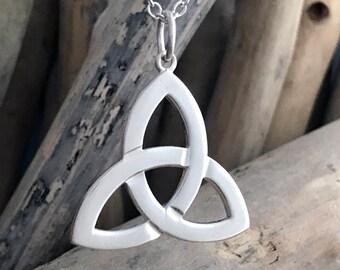 Silver Celtic Triquetra Pendant, Celtic Triangle Pendant, Celtic Trinity Knot Necklace, Triquetra Necklace, Triquetra Pendant CLT002