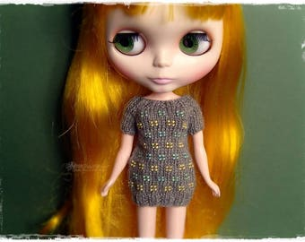 BLYTHE Sweater, Jumper, T-shirt, Top,Pure Neemo,Licca,Takara,Pullip,Dal - Knitted Gray Sweater With Yellow Green Beads and Short Sleeves #16