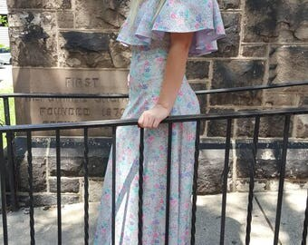 vintage 1970 lavender floral maxi dress off the shoulder small size. FREE SHIPPING from RCMooreVintage