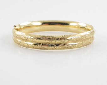 14K Yellow Gold Bangle Bracelet 7 Inches 16.3 grams - Diamond Cut Hand Engraved Bangle