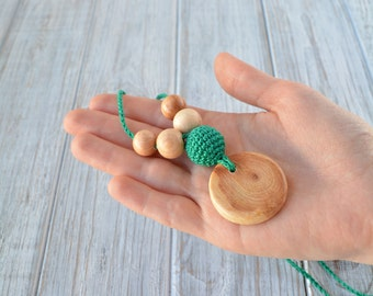 Petite nursing necklace with wooden pendant for mom - perfect for babywearing, Crochet teething necklace
