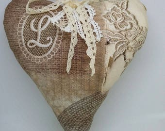 "Small heart of lavender fabric shabby chic ""L like Love""."