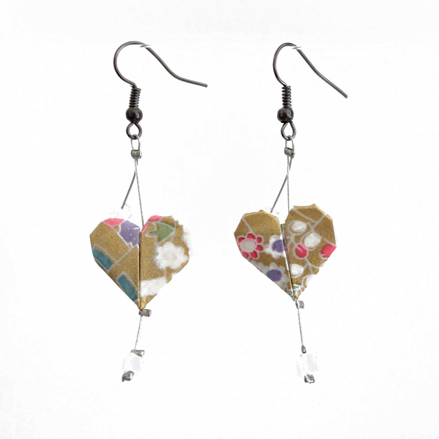 Origami heart gold earrings and multicolored patterns Japanese