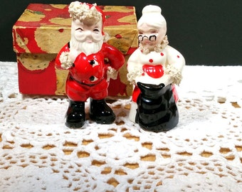 1950s CHRISTMAS SALT & PEPPER Shakers Vintage Christmas Decorations Mid Century Santa Claus  Christmas Collectible Salt and Pepper in Box