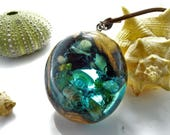 real shell jewelry, ocean inspired jewelry, resin sea jewelry, nature shell pendant, miniature terrarium, wood resin necklace, miniature sea