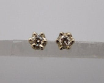 10K Solid Yellow Gold Petite Solitaire Dia Earrings