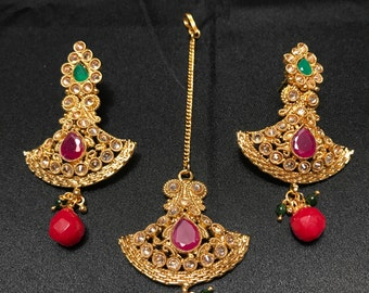 Indian Jewelry - Indian Earrings Tikka Set - Indian Bridal - Indian Wedding - Gold Ruby Red Emerald Green - Kundan - Pakistani - Bollywood -