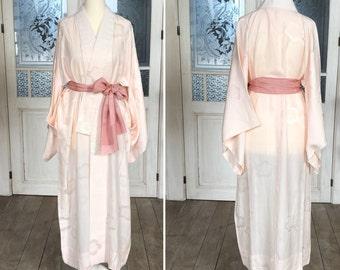 "Vintage ""Nagajuban"" kimono robe in pastel pink/romantic night gown/silk robe/night gown/dressing gown/kimono night robe/Kimono"