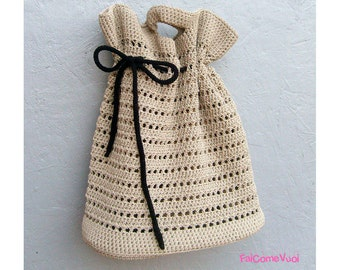 Crochet bag in beige cotton, shabby chic style for a romantic look