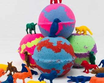 Sale! 1,3 or 5 7.0 oz Colorful Zoo Animal Bath Bomb Party/Christmas Favor Set with Suprise Toy Animal Figures Inside Each Bath Bomb