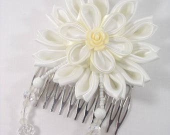 White kanzashi flower hair comb and glass beads. Perfect for a wedding or ceremony