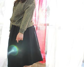 Vintage Full Black Wool Skirt With Pockets