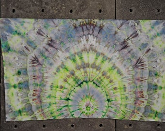 "Tie Dye Tapestry Green Gray UV glow Fluorescent Psychedelic bedroom decor 1x1.5m 39x59"" St Patrick's day Gift For Him / Gift for Boyfriend"