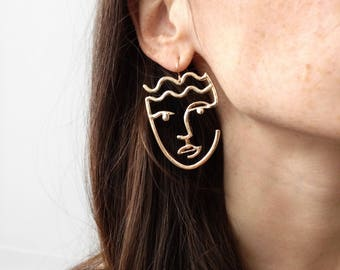 Minimal Hollow Face Earring, Abstract Style, Unique Dangle Earrings in Gold, Picasso Style artsy Earrings