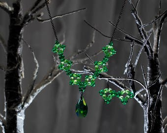 Geometric Green beaded necklace with pendant and earrings