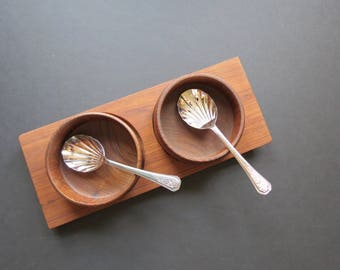 Wooden Condiment Bowls Set // Vintage Mid Century Modern Teak Style Serving or Snack Bowls with Serving Tray Sauce or Relish Hostess Servers