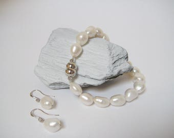 Freshwater Pearl Bracelet and Earrings Set, White Pearls
