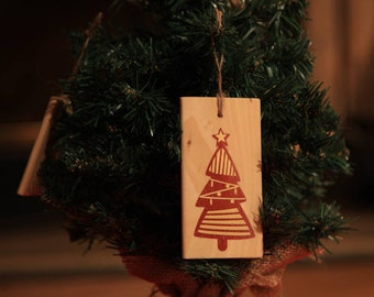 Christmas wooden ornament for hanging on Christmas tree or else! Shiny vinyl Christmas tree red and gold - Christmas bauble