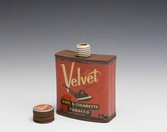"""Small Porcelain Hip Flask """"Velvet"""""""