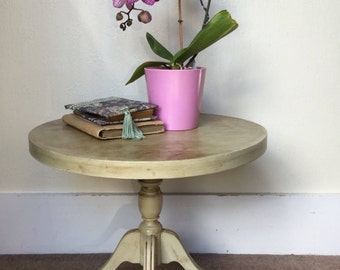 Pale green Occasional table