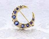 Gorgeous 18K Yellow Gold Blue Sapphire and White Diamond Crescent Moon Brooch