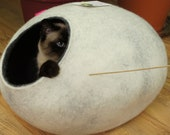 Cat bed, house, cave. Size L. Natural sheep wool. Handmade. Felt. Color snow grey. Made by kivikis.
