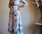VTG Colorful Ethnic Boho Chic Long Sleeves Maxi Dress