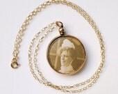 Antique 9ct Gold Open Locket with 9ct Chain Hallmarked Birmingham 1908