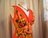Border Print Tiki maxi Dress vintage Orange Hibiscus Hawaiian dress 70s Vintage Orange floral dress Empire waist maxi 70s Polynesia gown M