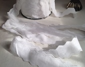 Vintage Lace, white Lace Trim, broderie anglaise Cotton Tape /Vintage Wedding Dolls Bears Ballet. 4m Home Furnishings / Old New Stock!