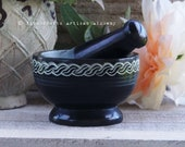 """CELTIC ARCANA™ 4""""D Carved Interweaving Knots Black Soapstone Mortar & Pestle - Herb Spice Grinding Tool, Kitchen Witch Witchcraft"""