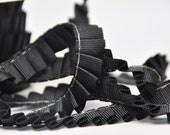 1 m supersüßes Faltenband in schwarz!