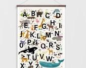 ABC Poster Alphabet Buchstaben Kinderzimmer Tiere 50 x 70 cm A-Z illustriertes Plakat Illustration Bild Bilder Kinder Druck Grafik Design