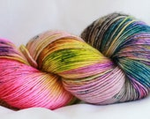 SUMMERTIME HIGH- super wash merino stellina single ply speckle dyed 400 yards