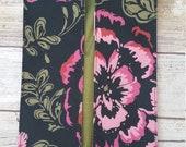 Ju-Ju-Be customs in Blooming Romance. Buti pod cover.
