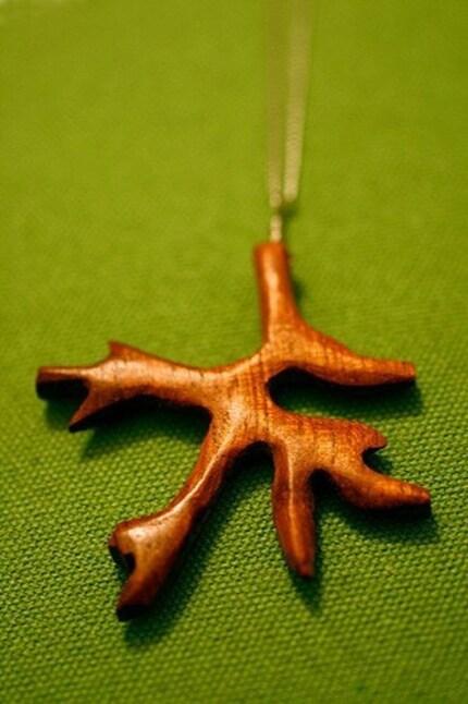 antler necklace |