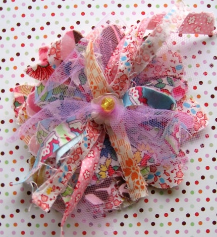 Frumpy fabric flower pin